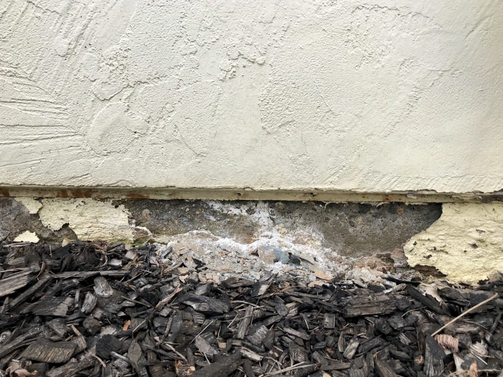 Crumbling wall on foundation of home